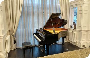 piano teacher London